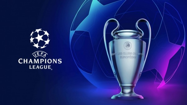 ucl18-21_presskit_keyvisual_starball_trophy-700x394
